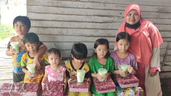 Berbagi Kebahagiaan di Hari Jum'at, LAZ Nurul Fikri Bagikan Paket Nasi