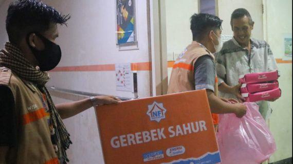 LAZ Nurul Fikri Bagikan Paket Sahur kepada Keluarga Pasien