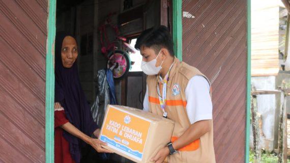 Bahagianya Ibu Hani Mendapatkan Kado Lebaran dari LAZ Nurul Fikri